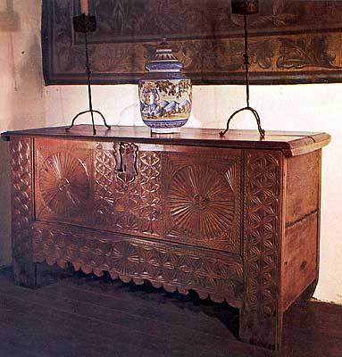 Castillo, mobiliario (a)