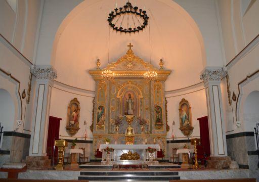 Iglesia parroquial de San Nicolás de Bari, altar