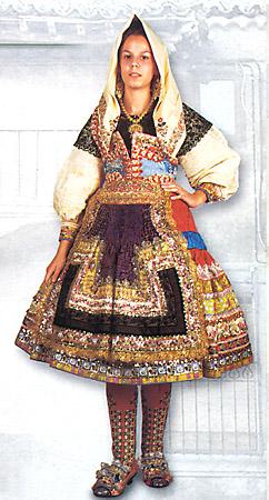 Artesanía, traje típico de lagarterana