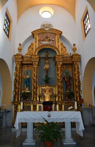 Iglesia parroquial de San Pedro Apóstol, altar
