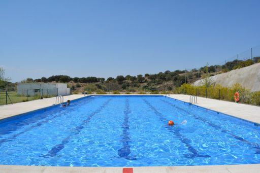 Instalaciones deportivas, piscina (2)