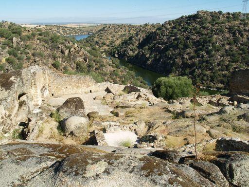Ciudad de Vascos, vista del río Huso desde la Alcazaba