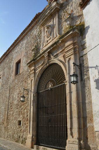 Portada del Real Convictorio de S. Carlos
