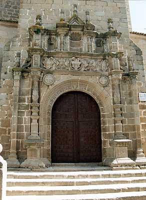 Iglesia parroquial de Nuestra Señora de la Asunción, portada