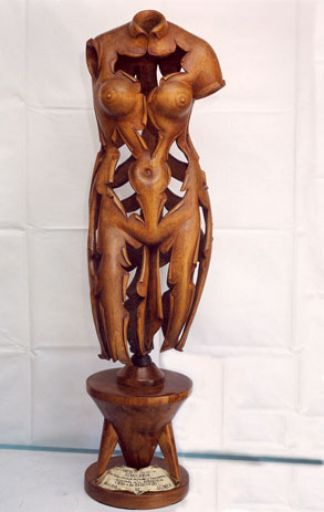 Artesanía popular, escultura en madera de Camero