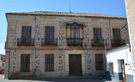 Casa de los Dorado