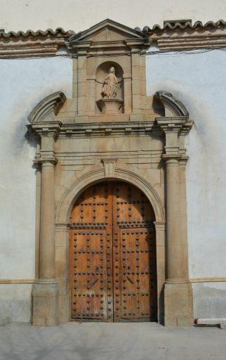 Iglesia Parroquial de Santa Catalina, pórtico