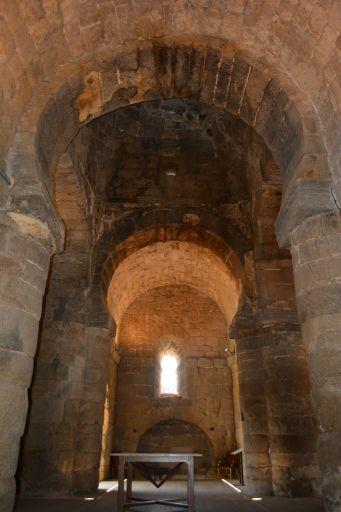 Ermita de Santa María de Melque, interior nave de cruce