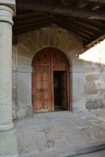 Iglesia parroquial de la Inmaculada Concepción, puerta