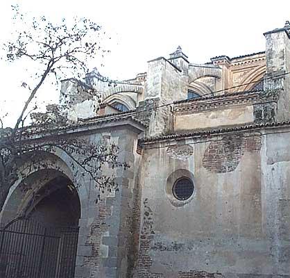 Colegiata Santa María la Mayor, arbotantes