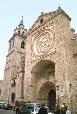 Colegiata Santa María la Mayor, fachada (b)