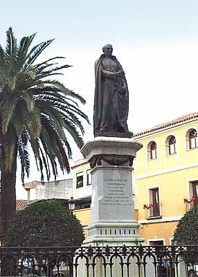 Estatua del Padre Juan de Mariana