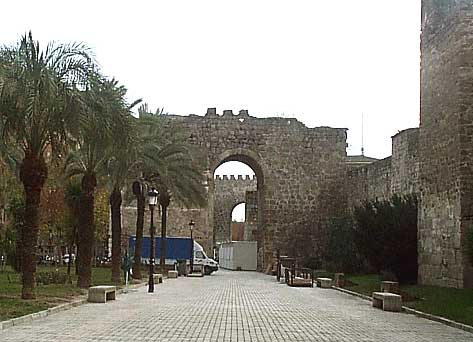 Murallas, torres albarranas (a)