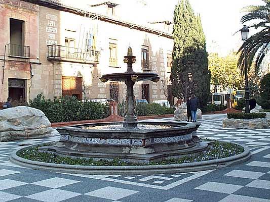Plaza del Pan, fuente