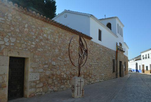 Casa - Museo de Dulcinea y escultura