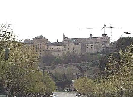 Avenida de la Reconquista, vistas de conventos
