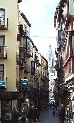 Calle Comercio, catedral al fondo