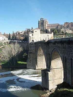 Puente de San Martín, desde la circunvalación