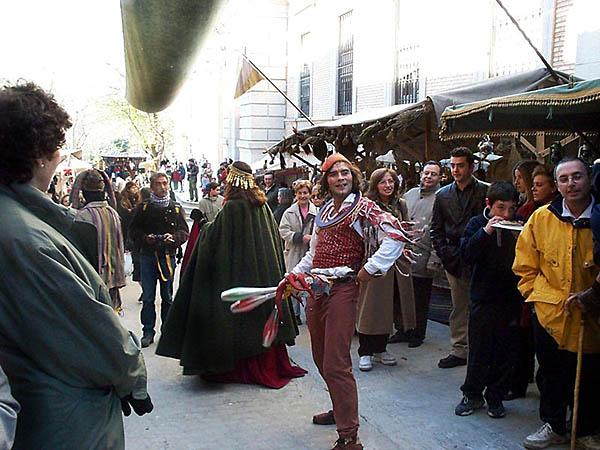 Recreación de un mercado medieval (e)