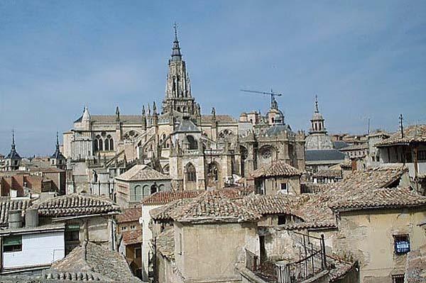 Vista de Toledo, desde  Escuela Abdón de Paz (a)