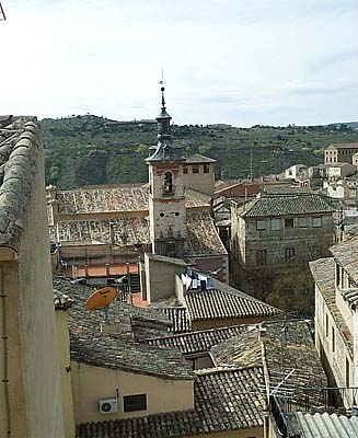 Vista de Toledo, desde  Escuela Abdón de Paz (c)