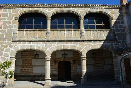 Ayuntamiento y Antiguo Hospital del Pobre, claustro