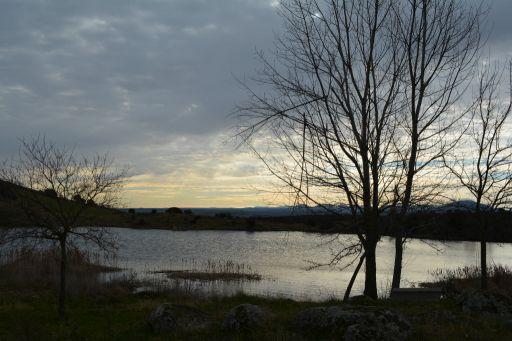 Lago de Tarrarra, otra vista