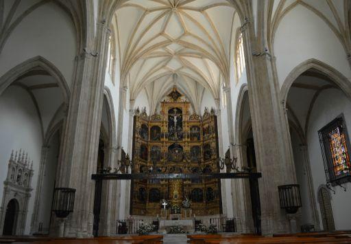 Iglesia Colegiata, interior