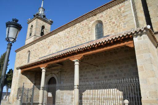 Iglesia parroquial de San Bernardino de Siena, soportales