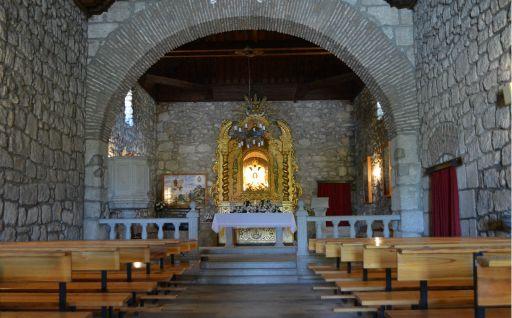 Ermita de Nuestra Señora del Águila, interior