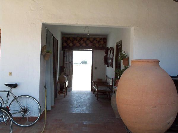 Alfar de Gregorio Peño, entrada