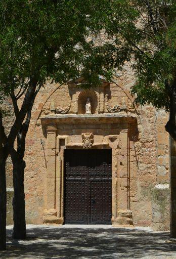 Iglesia parroquial de Santiago Apóstol, puerta
