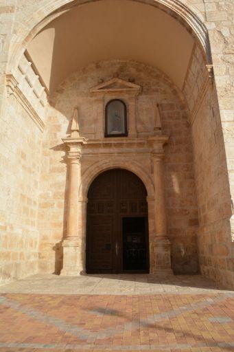 Iglesia parroquial de San Bartolomé, puerta