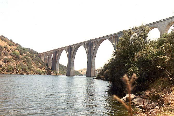 Puente de Silos sobre el río Tajo