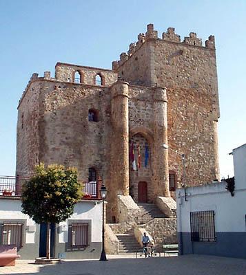 Castillo-Ayuntamiento de Manzaneque