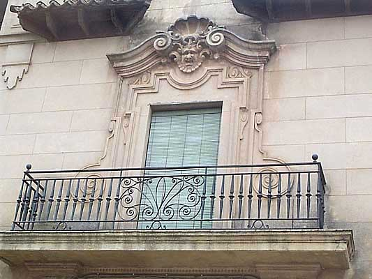 Balcón en la Plaza del Rollo de Los Navalmorales