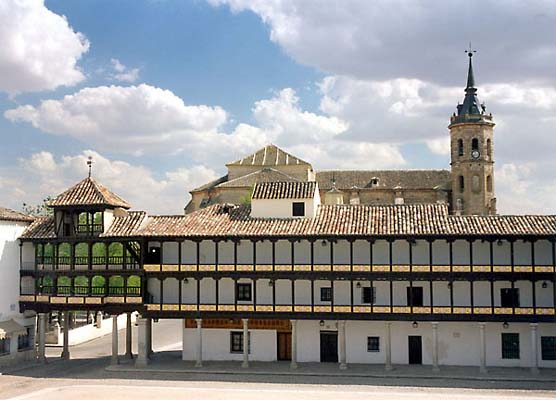 Balconada sur de la Plaza Mayor de Tembleque