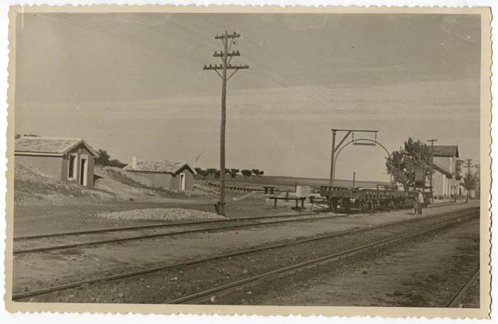 Almonacid. Estación de ferrocarril (P-25)