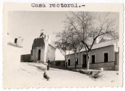 Burujón. Iglesia y casa rectoral. Hacia 1960 (P-46)