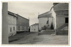 Cazalegas. Calle de la Iglesia. 1958 (P-124)