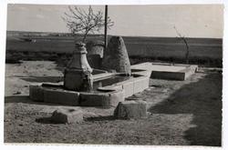Cobeja. Fuente pública. 1958 (P-136)