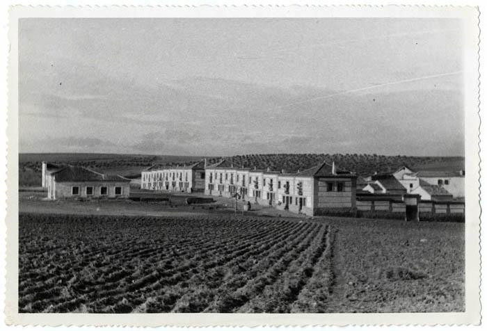 Cobisa. Nuevas viviendas en calle Generalísimo.1958 (P-138 )
