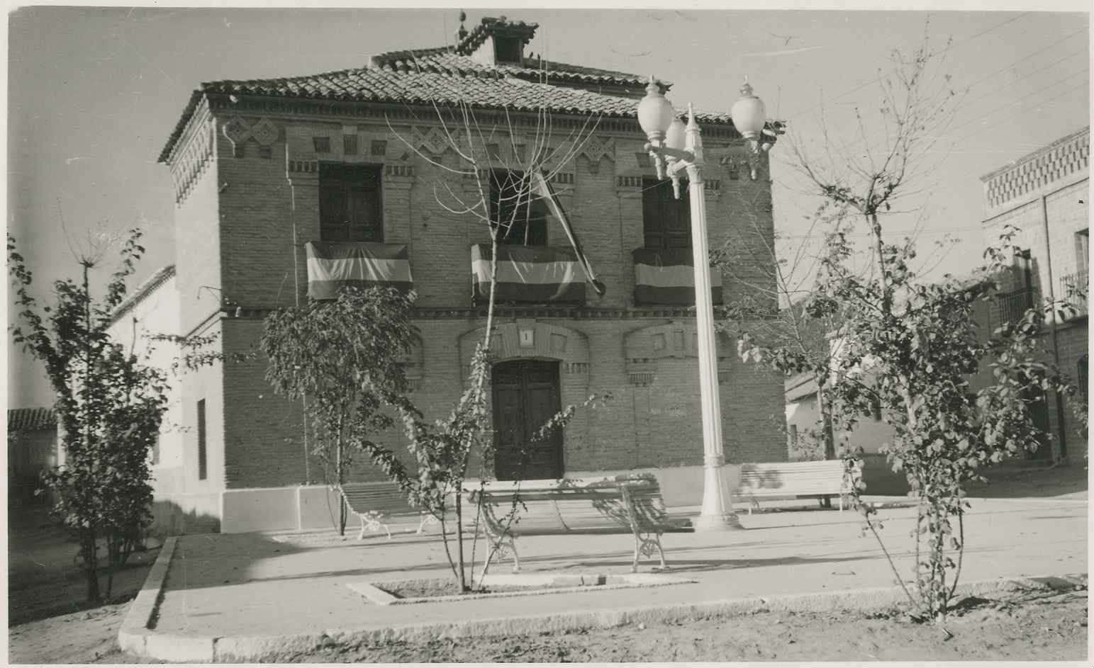 Camarenilla. Casa Ayuntamiento. 1958 (P-79)