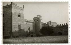 Escalona. Vista parcial del castillo. 1959 (P-281)