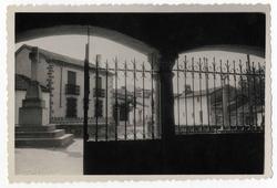 Herreruela de Oropesa. Vista calle Iglesia. 1959 (P-330)