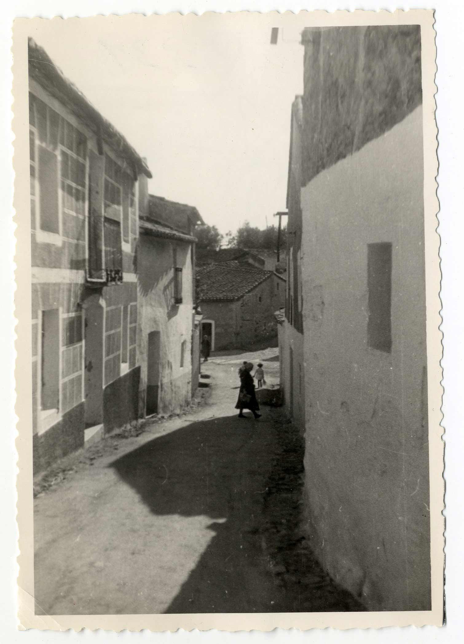 Hinojosa de San Vicente. Calle Felipe Escobedo 1959 (P-331)