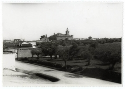La Calzada de Oropesa. Panorámica e iglesia. 1958 (P-65)