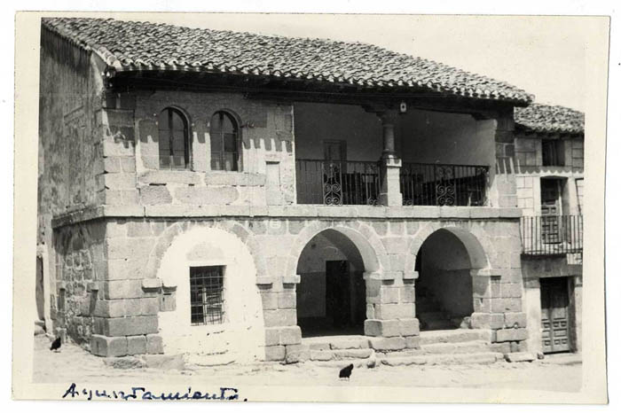 La Iglesuela. Casa Ayuntamiento. 1959 (P-351)