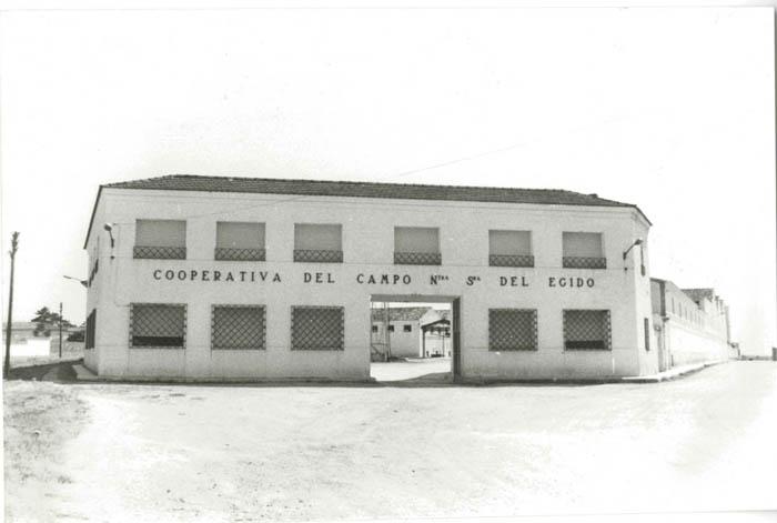 La Puebla de Almoradiel. Cooperativa. 1979 (P-366)