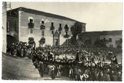 La Puebla de Montalbán. Capea en la plaza. Años 1930 (P-418)